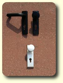 lexikon sicherheitstechnik kurzschildgarnitur. Black Bedroom Furniture Sets. Home Design Ideas